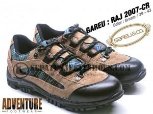 GAREU-RAJ-2007-CR-Sepatu-Gunung